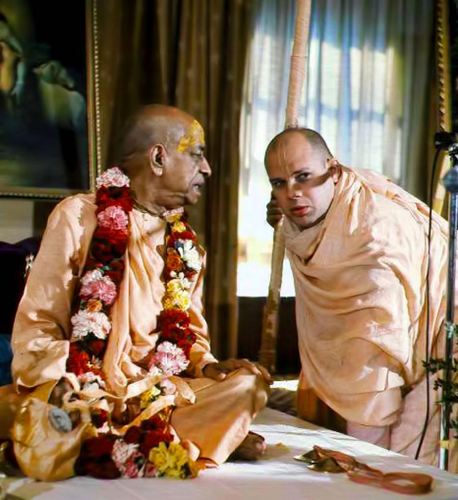 Srila Prabhupada confering with Brahmananda